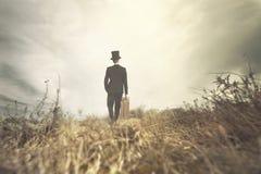 Homme solitaire veut approfondirai